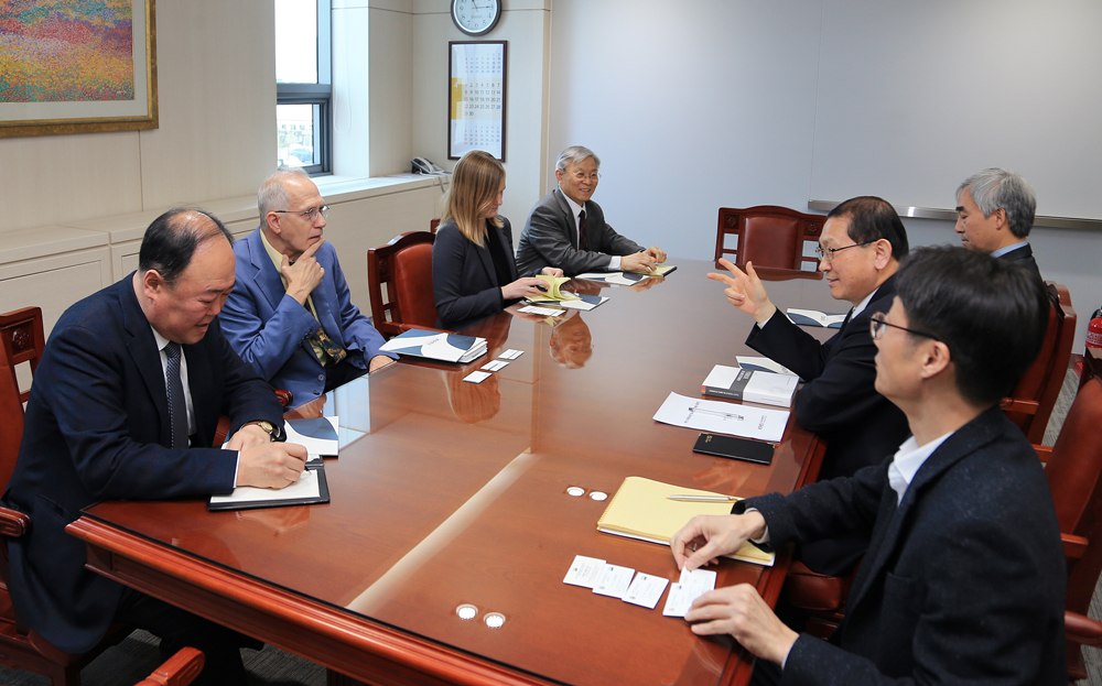 Agricultural Minister-Counselor Ron Verdonk at US Embassy in Korea Visited KREI